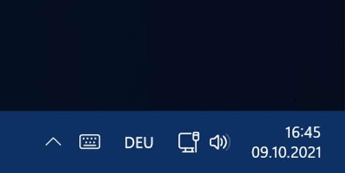 uhrzeit in der taskleiste windows 11 mehrere monitore weiterer monitor anzeigen aktivieren